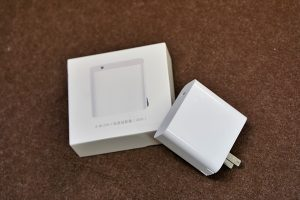 充電には小米USB-C电源适配器(CDQ02ZM)を利用。